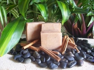 Soap Bar (Rose geranium and pink clay)